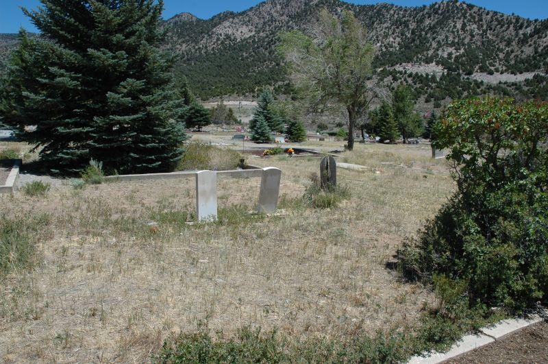 http://www.eurekautah.org/images/images_mi/mi_52_Eureka_Utah_Cemetery_1352902479_2359.jpeg